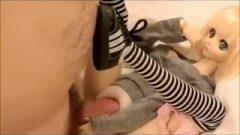 Man Bangs And Jizzes Inside A 30 Cm Anime Sex Doll